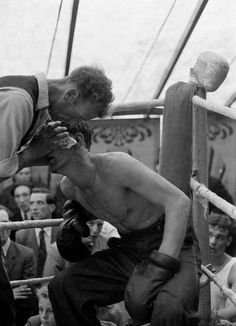 Welsh booth boxing,Carl Mydans, 1955