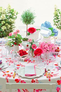Easter Tablescapes - Mix And Match Centerpiece