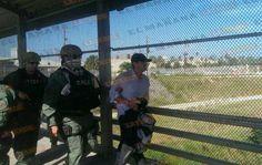 Entregan en la frontera de #Matamoros al Güero Palma.  Reporta: Miguel Jiménez  Gracias al compa JM Gomez - http://ift.tt/1HQJd81