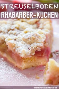 Streuselboden Kuchen mit Rhabarber Crumble cake with rhubarb Gateaux Cake, Evening Meals, Food Cakes, Smoothie Recipes, Cake Recipes, Easy Meals, Food And Drink, Stuffed Peppers, Baking