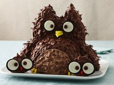 Owl with Babies Cake. Too cute! :]