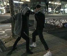 Image about couple in ☄⚡Ulzzang⚡☄ by Daisy on We Heart It Gay Aesthetic, Korean Aesthetic, Couple Aesthetic, Aesthetic Black, Ullzang Boys, Bad Boys, Cute Boys, Parejas Goals Tumblr, Boy Squad