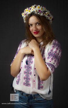 handmade embroidery - Romanian peasant blouse - ie romaneasca