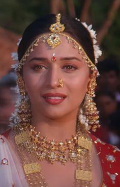 Beautiful Blonde Girl, Beautiful Girl Indian, Most Beautiful Indian Actress, Beautiful Gorgeous, Beautiful Saree, Vintage Bollywood, Indian Bollywood, Bollywood Stars, Pakistani