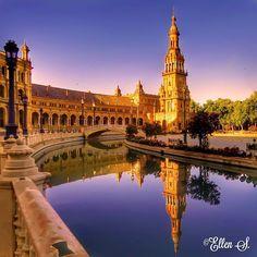 Palacio Espanol Plaza de Espana Sevilla Spain  #fotocatchers #astounding_shots #euro_shotz #nature2000 #dofnature #show_us_nature #world_shooters #turkeykadraj34 #main_vision #awesomeshotz #my_fabulous_capture #worldclassshots #holland_photolovers #severekcekiyoruz #super_reflection #whywelovenature by ellen_the_dutchie