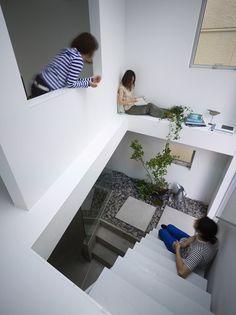 House in Moriyama, Moriyama, Nagoya, 2009 - suppose design office #white #japan #stairs