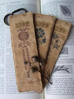 Vintage Bookmarks These are Cool Cross Stitch Finishing, Cross Stitch Love, Cross Stitch Designs, Cross Stitch Patterns, Cross Stitch Bookmarks, Cross Stitch Samplers, Cross Stitching, Cross Stitch Embroidery, Needle Book