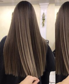 Hair is an important material primarily composed of protein, notably keratin. Hair care is your hair type. Your hair goals. Your favorite hair color Here you find all the possible methods to have perfect hair. Brown Hair Balayage, Brown Blonde Hair, Brown Hair With Highlights, Brunette Hair, Soft Brown Hair, Hair Shades, Pretty Hairstyles, Fashion Hairstyles, Hair Dos