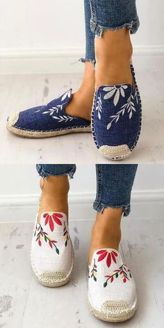 Fashion Embroidered Espadrille Flat Slippers Mode bestickte Espadrille flache Hausschuhe The post Mode bestickte Espadrille flache Hausschuhe & Schuhe appeared first on Shoes . Cute Shoes, Women's Shoes, Me Too Shoes, Shoe Boots, Converse Shoes, Flat Shoes Outfit, Strappy Shoes, Fall Shoes, Calf Boots