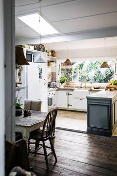 Cabin Design, Scandinavian Home, Simple Pleasures, Inspired Homes, Rustic Kitchen, Cosy, Beautiful Homes, Vintage Inspired, Kitchen Design