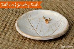 DIY Fall Leaf Polymer Clay Jewelry Dish #fall #diy #fallcrafts
