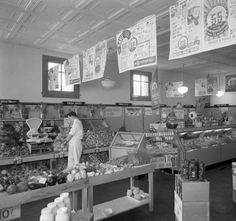 Kroger  Piggly Wiggly grocery store interior,Louisville, Ky. circa 1938. :: R. G. Potter Collection