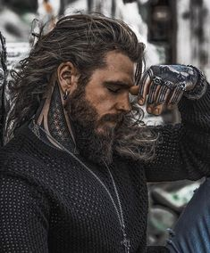 beard The Creekman 🐻🐻🐻 Hair And Beard Styles, Long Hair Styles, Viking Beard Styles, Hipster Noir, Hommes Sexy, Beard Gang, Modern Man, Good Looking Men, Moustache