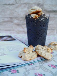 """Vor einigen Tagen erreichte mich """"Cookies"""" – das neueste Buch von Cynthia Barcomi. Natürlich musste ich es sofort durchblättern, bin wie immer bei Cynthia sehr begeistert und zeig…"""