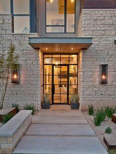 Les appliques extérieures sont un moyen de transformer l'extérieur, la façade, le jardin. Elles se déclinent sur de nombreuses variantes modernes et vintage.