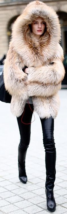 Hooded Cream/Beige Winter Fur Street Style - Eskimo Style!