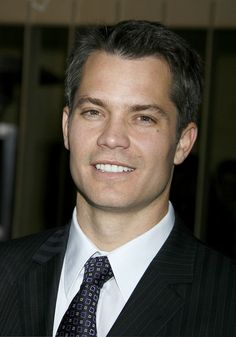Timothy Olypant, so glad Justified got renewed for a 3rd season, love me some deputy marshall Raylan Givens.