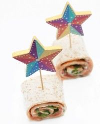 Gorgeous sandwich roll-ups sure to tempt little palates Pinwheel Sandwiches, Party Sandwiches, Breakfast Snacks, Breakfast For Kids, Childrens Parties, Best Party Food, Sandwich Ideas, Toddler Lunches, Tortilla Wraps