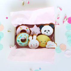 Kawaii cookies by lepetitbiscuitshop Kawaii Cookies, Cute Cookies, Yummy Cookies, Cupcake Cookies, Iced Cookies, Royal Icing Cookies, Sugar Cookies, Cupcakes Decorados, Pastel Cupcakes