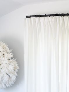 IKEA HACK: Pinched Pleat Curtains In regards to living space decoration suggestions, quite a few Ikea White Curtains, Black Curtains, Curtains With Rings, Colorful Curtains, Pinch Pleat Curtains, Pleated Curtains, Sheet Curtains, Panel Curtains, Curtain Panels