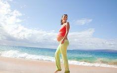 Gravidanza al top, come mantenersi in forma con la dieta e gli esercizi giusti - Tenersi in forma durante la gravidanza non è così difficile come potrebbe sembrare, basta attenersi a qualche regola.  Seguire una dieta sana ed fare sport moderato sono i segreti.