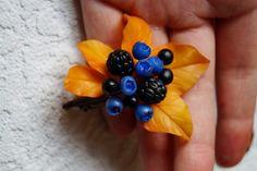 """Брошь """"Лесная сказка""""-холодный фарфор в каталоге Аксессуары на Uniqhand - украшения, ягоды, осень, холодный фарфор"""