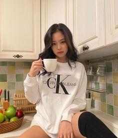 Blackpink Jennie, K Pop, South Korean Girls, Korean Girl Groups, Jenny Kim, Calvin Klein, Blackpink Video, Black Pink Kpop, Kim Jisoo