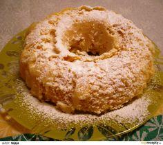 Vejce a cukr ušleháme do pěny. Přidáme vanilkový pudink (jen prášek-nevaříme) a prášek do pečiva. Vše promícháme. Nalejeme do bábovkové formy a...