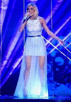 Carrie Underwood from The Big Picture: Today's Hot Pics The country star took down the house, belting it out at the American Idol finale in Hollywood. Carrie Underwood American Idol, Carrie Underwood Pictures, Country Music Awards, Country Singers, Country Artists, Entertainer Of The Year, Country Women, Country Boys, Small Town Girl