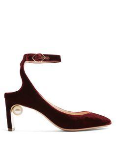 NICHOLAS KIRKWOOD Lola pearl-heeled velvet pumps. #nicholaskirkwood #shoes #