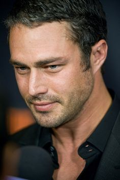 Taylor Kinney Chicago Fire YEAH !!!!