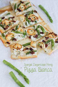 Pizza Bianca mit Spargel, Ziegenkäse und Honig Seelenschmeichelei.blogspot.de