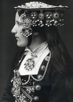 Per Braaten, Norwegian silver wedding crown, 1935