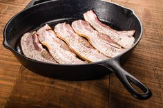 If you're lucky enough to have inherited a cast iron skillet from your parents or grandparents, you already know that with proper care, iron cookware is a gift that keeps on giving. Cast Iron Skillet, Cast Iron Cooking, Reseason Cast Iron, Seasoning Cast Iron, Kitchen Helper, Cast Iron Cookware, Food To Make, Dinner Recipes, Healthy Eating