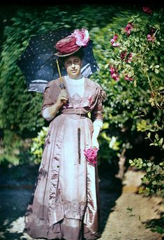 "Early 1900s color photos look like literal dreams 1915 ""Mrs. Warburg."""