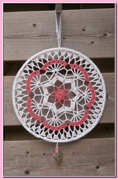 "Diy Crafts - Raamhanger / Mandala gehaakt met katoen doorsnee 25 cm, wit/roze met kraaltjes ""This post was discovered by Mer"" Crochet Mandala Pattern, Crochet Art, Crochet Squares, Filet Crochet, Crochet Crafts, Crochet Doilies, Crochet Projects, Crochet Patterns, Crochet Decoration"
