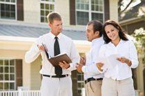 Les missions dévolues au vendeur conseil en immobilier sont variées : recherche de biens immobiliers, estimation du prix de vente, promotion des produits (en agence, dans la presse, sur Internet), gestion des visites, suivi et analyse du marché immobilier mais aussi conseil à la clientèle.