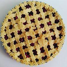 Cherry flower pie