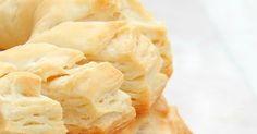 Pan cremona y cuernitos Video Rezept Snack Recipes, Snacks, Macaroni And Cheese, Chips, Bread, Baking, Ethnic Recipes, Media Luna, Food
