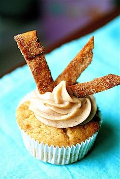 Churro Cupcakes I LOVE (to the end of this world) churros!