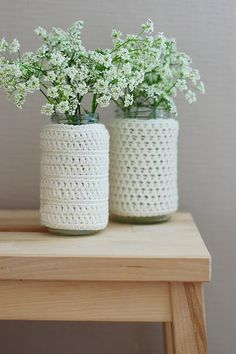 Knitted Vases - a Euro idea that's very cute.