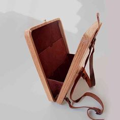 Handmade Embroidered Wood Bag is made with oak wood, hand-sewn suede leather, colourful yarn. Cool Woodworking Projects, Woodworking Books, Wood Projects, Woodworking Classes, Woodworking Store, Woodworking Videos, Gravure Laser, Wooden Purse, Sacs Design