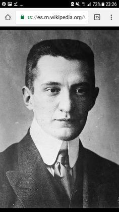 Aleksandr Fiódorovich   Fue un lider revolucionario ruso que desempeñó un papel primordial en el derrocamiento del régimen zarista de Rusia.Fue el segundo primer ministro del gobierno provisional instaurado tras la Revolución de Febrero.