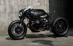 Ottonero Cafe Racer: Slate Hammer vs Bavarian Fistfighter
