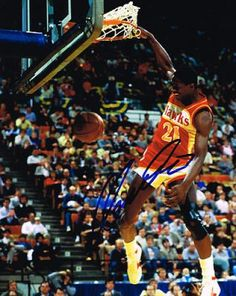 The Human Highlight Film, Dominique Wilkins lit up the Omni night after night! May be the best dunker ever. Girls Basketball Shoes, Basketball Systems, Basketball Rules, Basketball Season, Basketball Pictures, Basketball Legends, Sports Pictures, College Basketball, Basketball Players