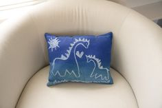 DIY :: Dry-Erase Doodle Pillow ( Inkodye ) :: detailed instructions ==> http://lumi.co/blogs/projects/3788142-dry-erase-doodle-pillow