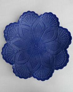 Lotus Bowl - SAPPHIRE Porcelain Clay, Cold Porcelain, Victoria Magazine, Pottery Bowls, Pottery Ideas, Crochet Doilies, Lotus, Polymer Clay, Sapphire