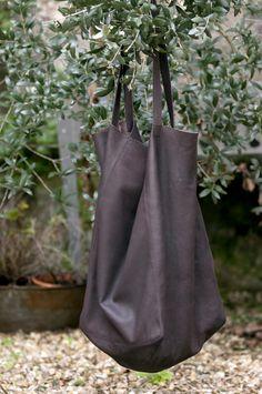 #shoppingbag @poeandyou #leather #brown #nelybelula #conceptstore #shop #lacoruña