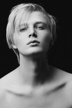 【世界のイケメン12】ホワイトブロンドの王子系男性モデルタイト・ヒューズ・ゲイジャー【王子様系】 - NAVER まとめ