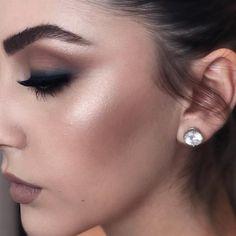 """6,999 curtidas, 15 comentários - Maquiagem Brasill® (@maquiagembrasill) no Instagram: """"🍃 🌸 🍃🇧🇷Uau que Glamour @brigittecalegari @brigittecalegari 🍃 🌸 🍃. . #maquiagembrasill…"""""""